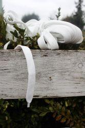 Plochá široká  tkanice 2 cm bílá