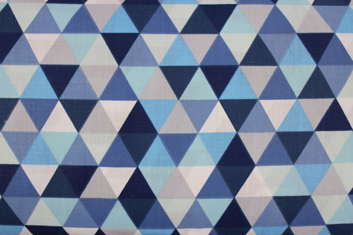 Modro-bílé trojúhelníky vyrobeno v EU- atest pro děti bavlna