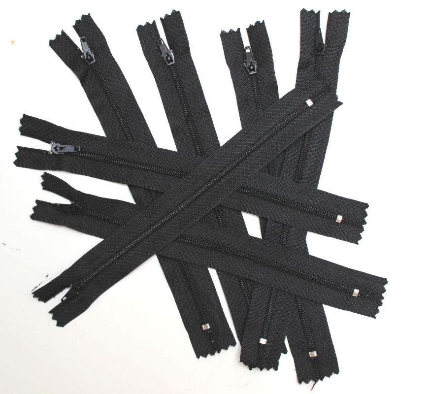 Zdrhovadlo spirálové 20 cm černé vyrobeno v EU