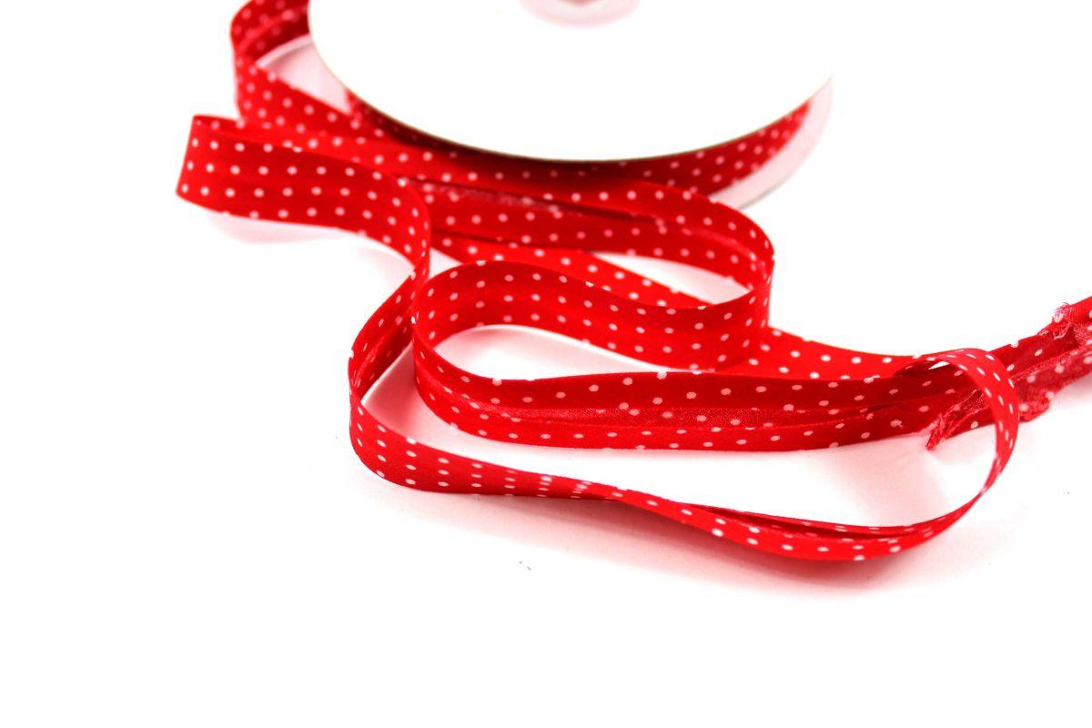 Šikmý proužek červený s bílými puntíky vyrobeno v EU