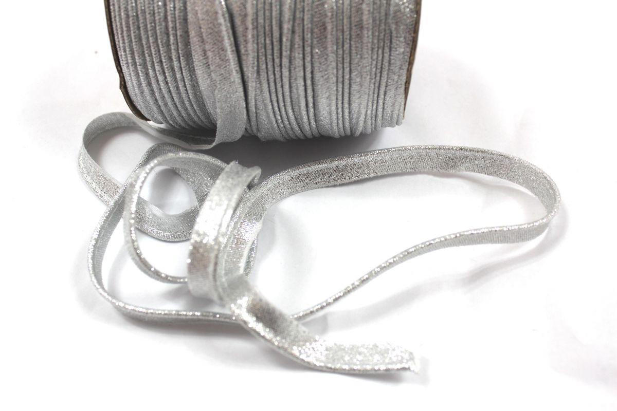 Brokátová paspulka stříbrná 0,3 cm vyrobeno v EU