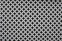 Bílá bavlna s drobnými geometrickými tvary