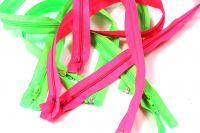 Jasně růžový zip dělený - 60 cm vyrobeno v EU