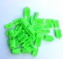 Svítivě zelená plastová koncovka plochá-2 ks