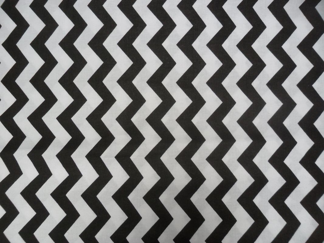 Bílá látka s černým cik cak vzorem vyrobeno v EU- atest pro děti bavlna