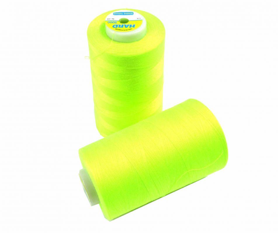 Šicí nit žluto-zelená svitivka 5000 yard- overloková 229 vyrobeno v EU