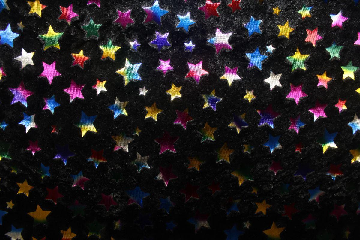 Černý muchláček s zlatobarevnými hvězdami vyrobeno v EU