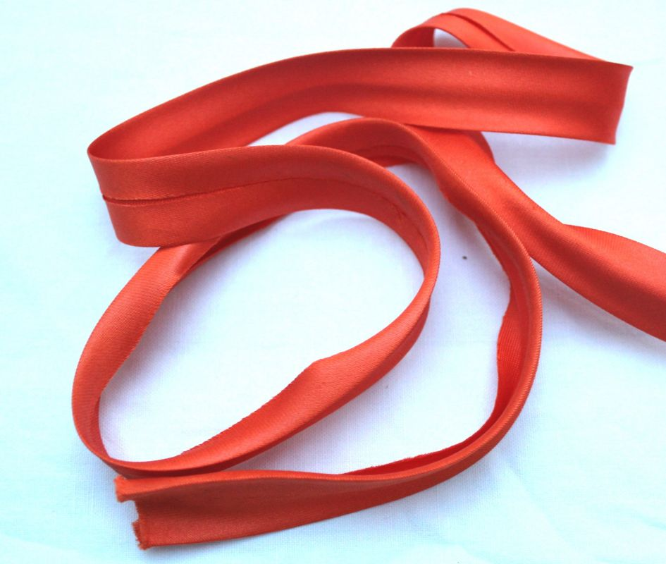 oranožová