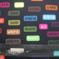 Teplákovina anglická slovesa zesvětlené - digitální tisk EU-úplety atest pro děti