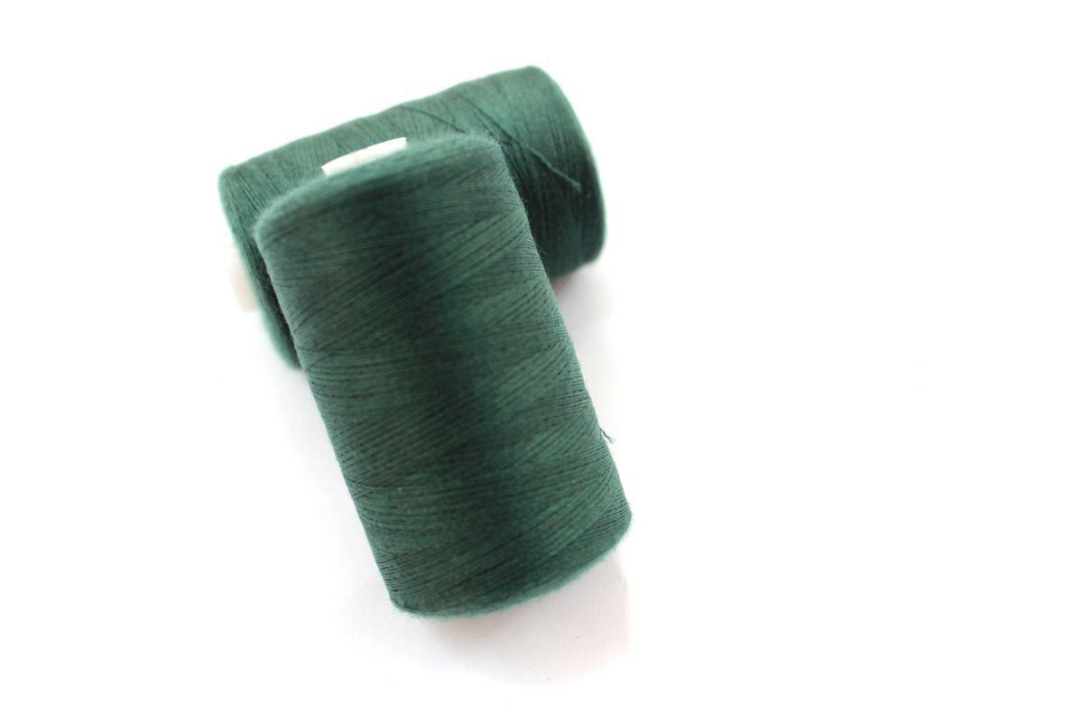 Nit zelená tmavá 40/2 -1000 m - barva 273 vyrobeno v EU
