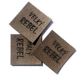"""Koženkový štítek gravír - """" velký rebel hnědy """""""