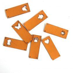 Koženkový štítek vyřezávaný malý- okrová 372 -varianty | Auto, Dinosaurus, Kytička, Mickey, Motýl, Srdíčko, Tlapka