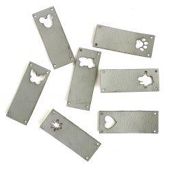 Koženkový štítek vyřezávaný malý- světle šedý 120-varianty | Auto, Dinosaurus, Kytička, Mickey, Motýl, Srdíčko
