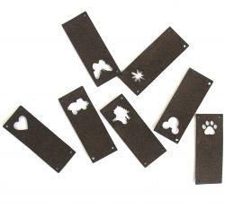 Koženkový štítek vyřezávaný malý- tmavě hnědá 150 T-varianty | Auto, Dinosaurus, Kytička, Mickey, Motýl, Srdíčko