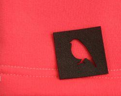 """Koženkový štítek výsek - """"ptáček """" vyrobeno v EU"""