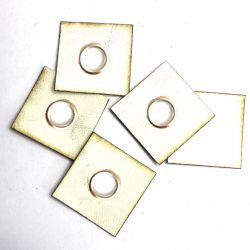 Koženkový čtvereček s průchodkou -bílá